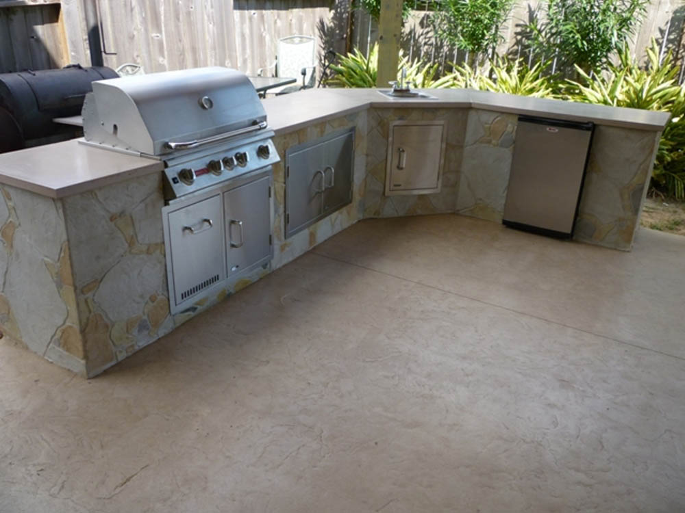 Adding An Outdoor Kitchen Consider Concrete Countertops Stamped